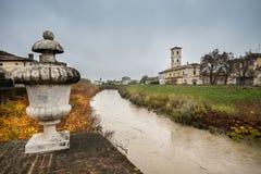 科洛尔诺,意大利- 2016年11月06日-帕尔马河在科洛尔诺, 免版税库存图片