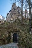 秘密地下词条到麸皮城堡里在布拉索夫县,罗马 免版税库存图片