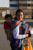 秘鲁人民、母亲和婴孩 免版税图库摄影