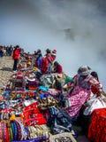 秘鲁市场游人colca峡谷秘鲁 免版税库存图片