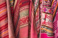秘鲁纺织品背景 免版税库存照片