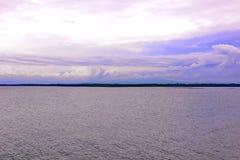 积雨云在海洋 库存照片