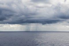 积雨云 库存图片