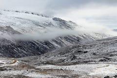 积雪的山在中国 库存图片