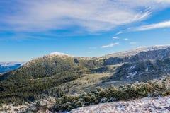 积雪的山景 图库摄影
