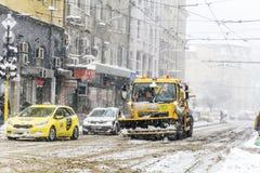 积雪的清除卡车在索非亚,保加利亚 图库摄影