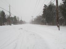 """积雪的路在高地公园, NJ 美国1月2016年, Ð """" 免版税图库摄影"""