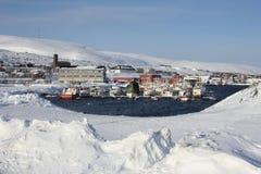 积雪的镇 免版税库存图片