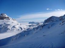 积雪的高山Panoramatic视图  库存图片