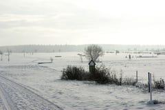 积雪的swin高尔夫球场 免版税图库摄影