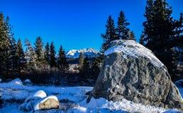 积雪覆盖的巨石城 免版税库存照片
