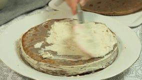 称呼绉纱蛋糕食谱的食物 股票视频