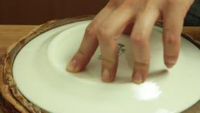 称呼oreo绉纱蛋糕食谱的食物 股票视频