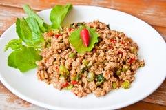 称食物kaprao moo pud泰国 库存照片