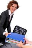 移交妇女的黏合剂商业 免版税库存图片