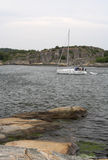 移动岩石游艇 免版税图库摄影