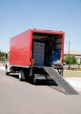 移动拆迁服务卡车 免版税库存照片