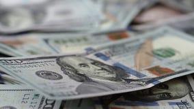 移动沿美国在巨大的金钱的焦点一百元钞票 股票录像
