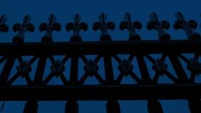 移动沿老金属门在晚上 影视素材