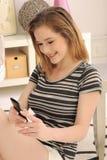 移动电话屏幕少年接触 库存照片