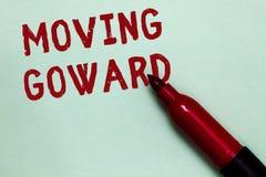 移动Goward的手写文本 往点移动的概念意思在去先遣前面进展开放红色标志进一步inten 库存照片