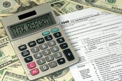 税收改革在计算器的文本标志 免版税图库摄影