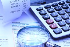 税自已Assesment和会计演算 免版税库存图片