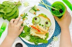 滑稽的三明治喜欢孩子的一只青蛙 免版税库存图片