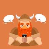 滑稽的传染媒介例证 北欧海盗发短信 免版税库存图片
