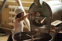 滑稽的咖啡烘烤器 免版税图库摄影