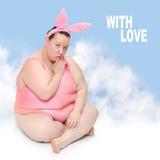 滑稽的桃红色兔宝宝。 免版税库存照片