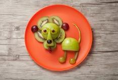 滑稽的狮子由果子制成 免版税图库摄影