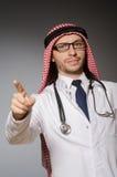 滑稽的阿拉伯医生 免版税库存图片