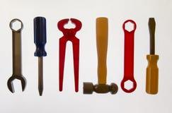 滑稽的婴孩工具、一套锤子, Klima、两把螺丝刀和w 免版税库存图片
