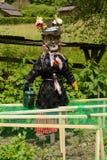 滑稽的稻草人装饰 免版税库存图片