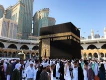 穆斯林在世界` s不同的国家的麦加聚集了 图库摄影