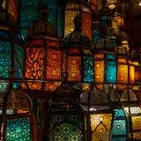 穆斯林样式的灯笼发光 免版税图库摄影