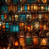 穆斯林样式的灯笼发光 库存图片