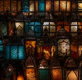 穆斯林样式的灯笼发光 免版税库存图片