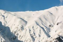 穗高在shinhotaka,日本阿尔卑斯的山风景在冬天 图库摄影