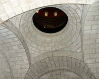 穹顶在Marasesti Mausoluem 免版税图库摄影