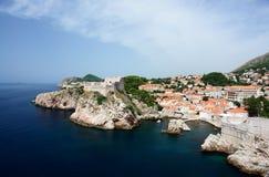 空中克罗地亚端口城镇视图 免版税库存照片