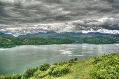 空中全景向湖阻止,北部马其顿 图库摄影