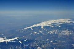 空中喀尔巴阡山脉的fagaras山景 库存照片