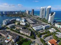 空中图象晴朗的小岛海滩FL 免版税库存照片