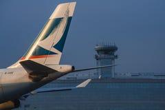 空中客车340-500国泰航空公司b-hxe的尾巴 免版税库存图片