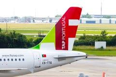 空中客车从葡萄牙航空公司的A 319 - 111在机场 库存照片