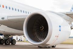 空中客车A350-900乘客班机劳斯莱斯引擎  免版税图库摄影