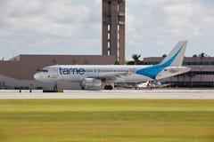 空中客车A320喷气机班机乘出租车 免版税库存照片