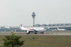 空中客车A330离开 库存照片
